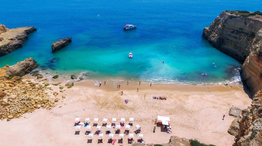 beach praia com catamaran belize AlgarExperience