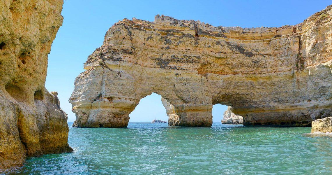Passeio de Barco às Grutas De Benagil e Costa - Praia Marinha